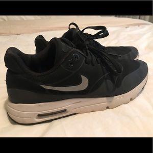 cheap for discount 06b35 368a7 Nike. Nike Air Max 1 Ultra Moire